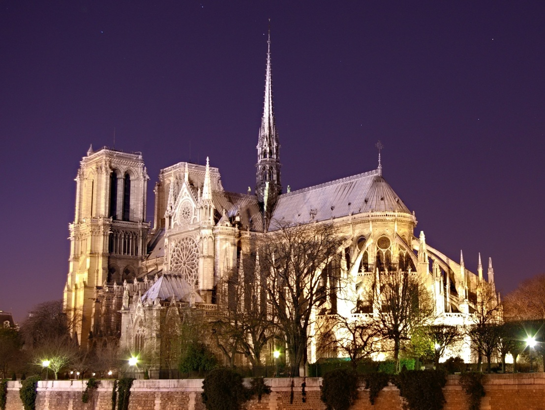 Notre_Dame_de_Paris_by_night_time.jpg